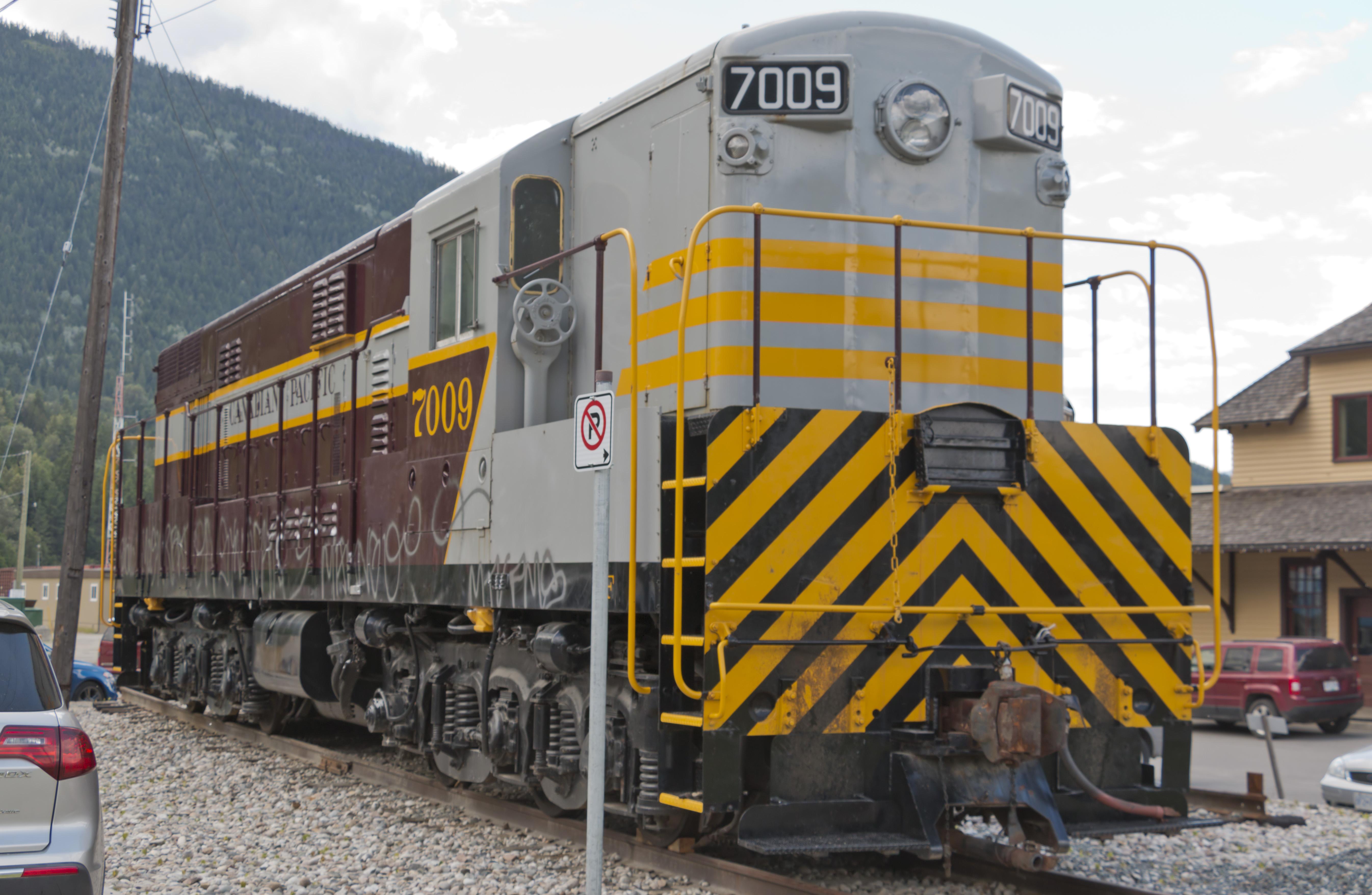 Canadian-Pacific-Railway-7009-diesel-loc