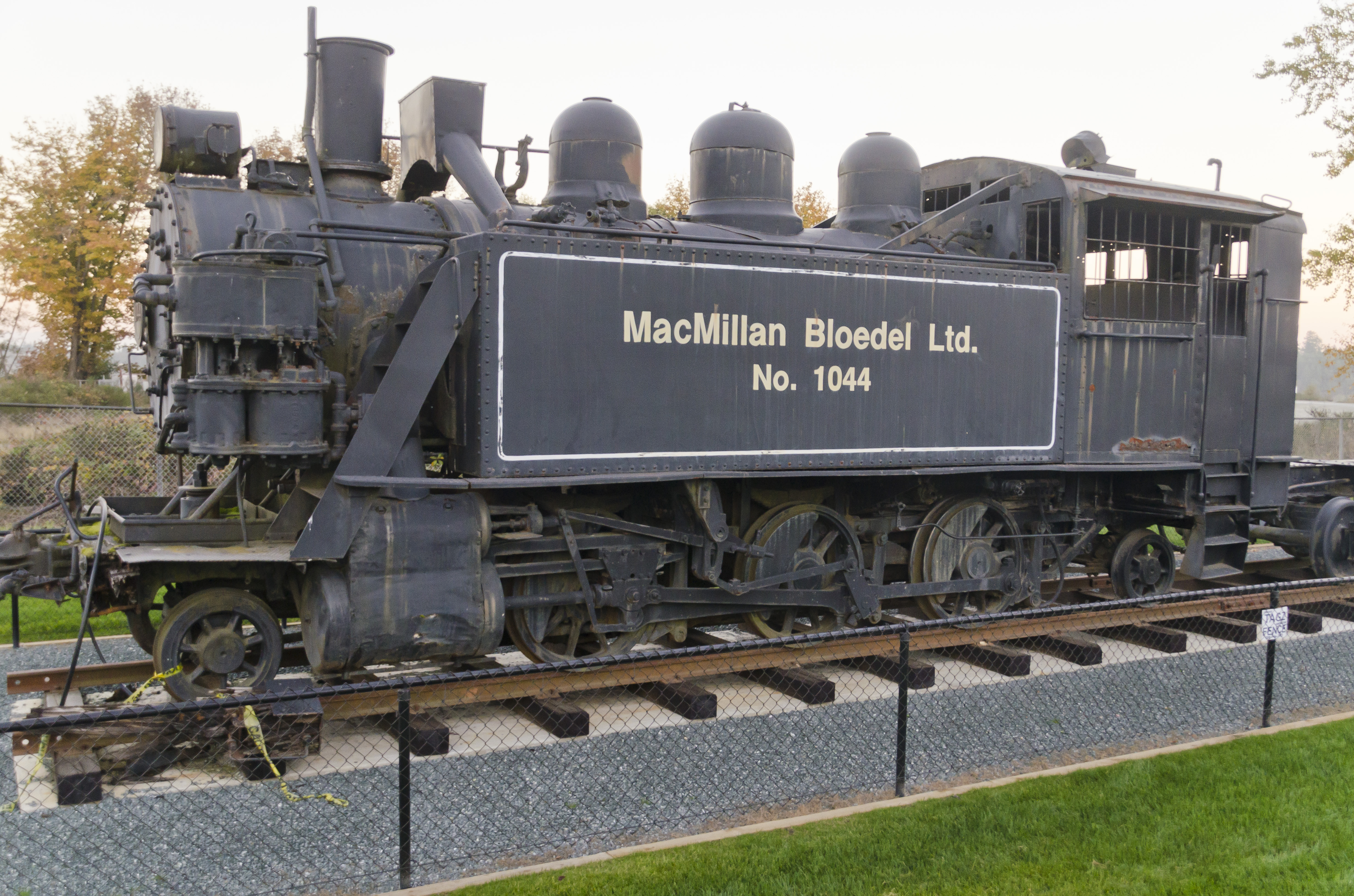 MacMillan Bloedel Ltd. (MBL) #1044. Steam Locomotive 2-6-2, 23 Oct 2013