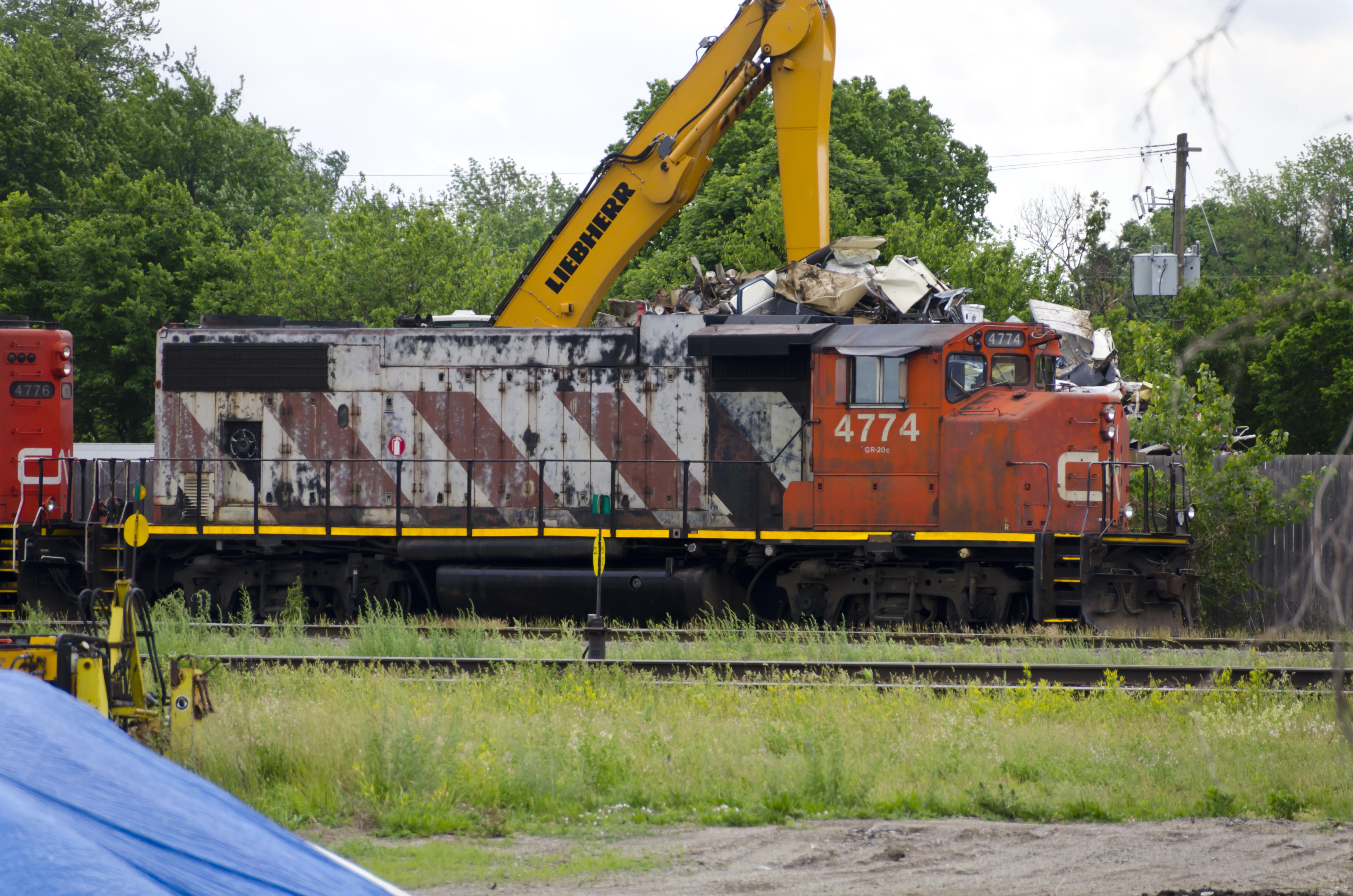 Canadian National Railway CN #4774 EMD GP38-2W diesel locomotive photo (2 Jun 2012) London ON Canada