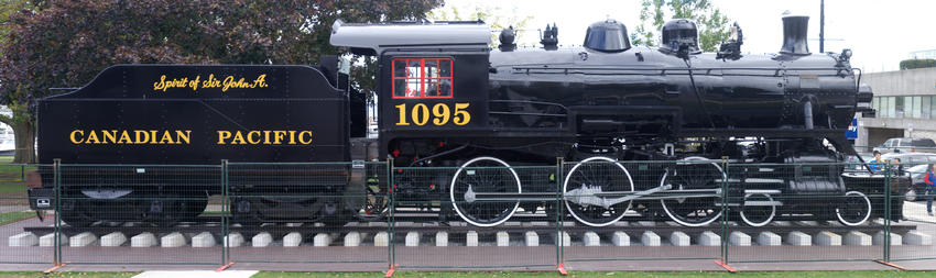 Canadian Pacific Railway (CP) #1095 Spirit of Sir John A. Steam Locomotive 4-6-0, 11 Oct 2014